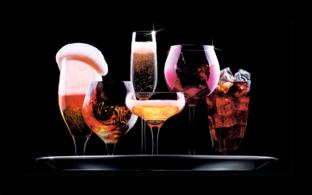бокалы с коктелями