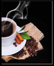 кофе с корицей и кофейные зёрна