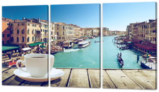 Чашка кофе на фоне Венеции 124* 70 см