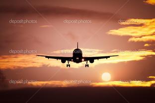самолет в красный закат