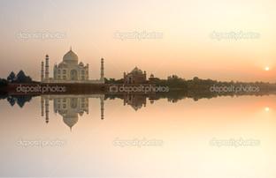 панорама Тадж-Махал на закате