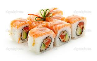 маки суши на белом фоне