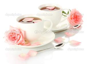 две чашки две розы