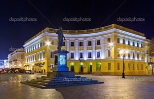 Дюк де Ришелье памятник в Одессе