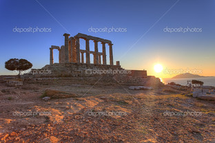 на закате храм Посейдона