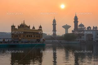 золотой храм Амритсар отражение