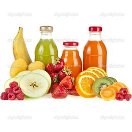 свежие фрукты и соки на белый