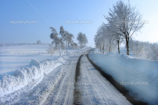 снежная голубая дорога