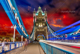 башня мост на ночь