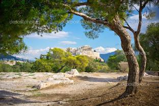 красивый вид на древний Акрополь