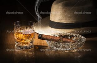 коньяк шляпа и сигара