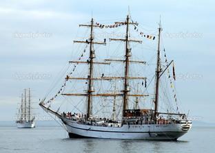 парусный корабль в Нью-Йорке