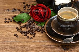 чашка черного кофе роза