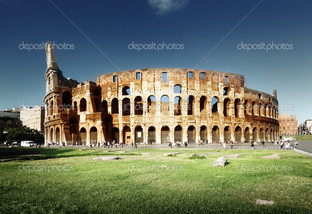 закат и Колизей в Риме