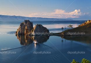 остров на озере Байкал