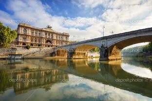 дворец и мост