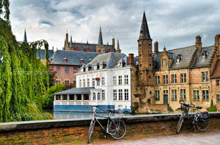 городской пейзаж и велосипед