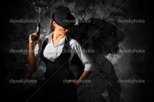 девушка с пистолетом