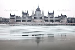 фасад Парламента