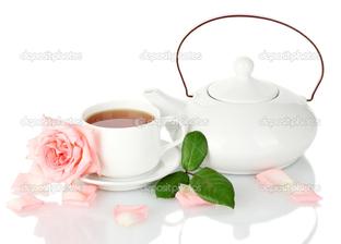 белый сервиз на белом и роза