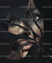 взгляд девушки черный