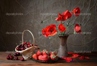 ягоды и маки