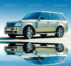 автомобиль на синем фоне отражение