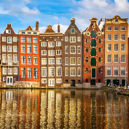 старые здания в Амстердаме