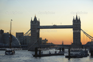 башня мост на закате Лондон