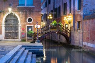ночь канал в Венеции