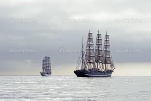 высокие корабли два