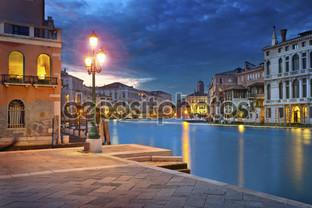Венеция канал ночью