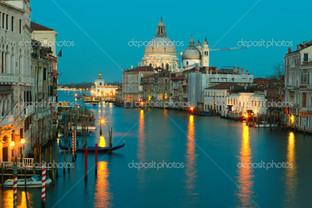 Гранд канал в сумерках Венеция