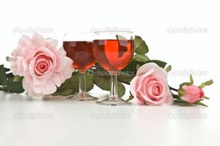розовые розы и бокалы