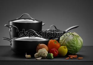 горшки и овощи