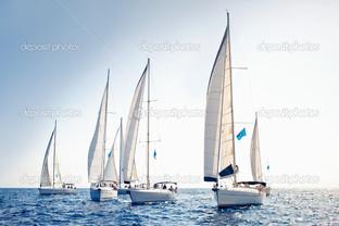 парусник яхты