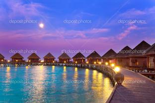 острова в океане Мальдивы ночь