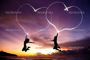 молодая пара сердца