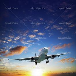 самолет в небо закат время