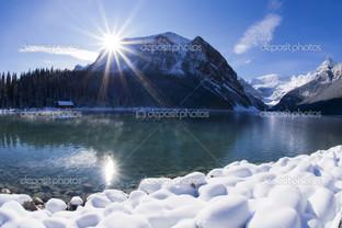 снег яркое солнце