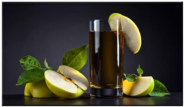 Сок яблочный композиция