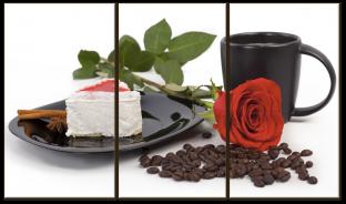 Кофе, роза и десерт