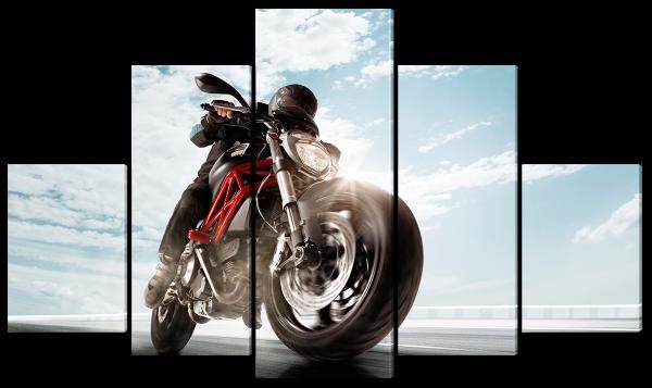 Мотоциклист в пути