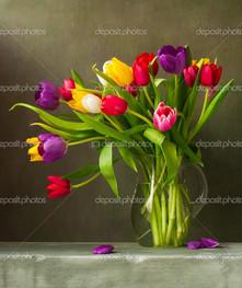 букет композиция из тюльпанов