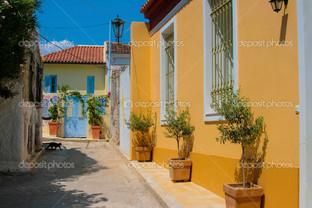 красочные улицы в Плака Афины