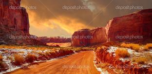 оранжевый пейзаж скалы
