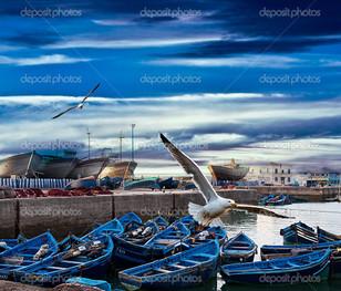 синий рыболовные лодки