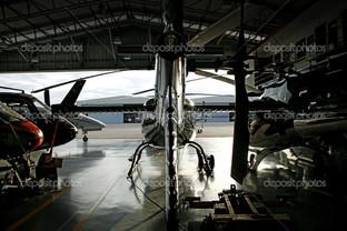 вертолет ангар